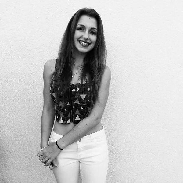 Laura2744's Profile Photo