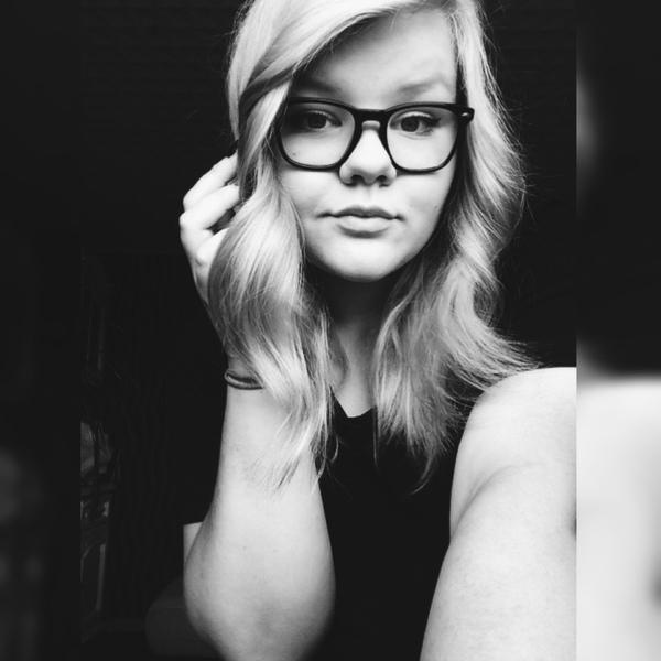 JuliiiFreak's Profile Photo