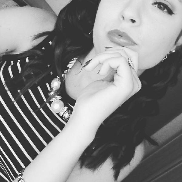Julia_easy's Profile Photo