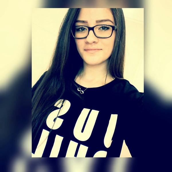 Esra16o9's Profile Photo