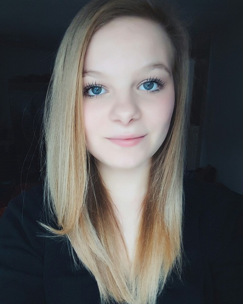 Aylooosch's Profile Photo