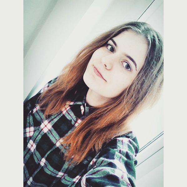 EllysaC's Profile Photo