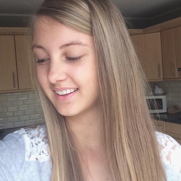 Juliexxxxxxxx's Profile Photo