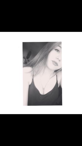 JennyleinDobrosi's Profile Photo