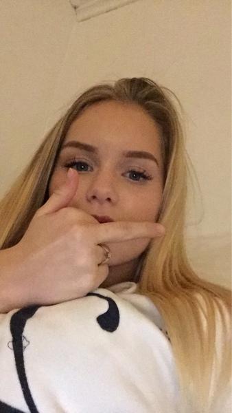 elinastrand_'s Profile Photo