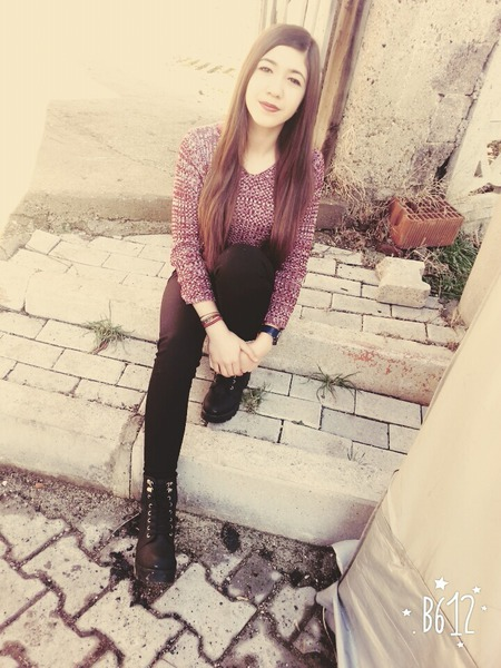 ElifAyverdi252's Profile Photo