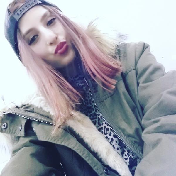 vanessina18's Profile Photo
