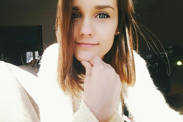 amellialovesunicorns's Profile Photo