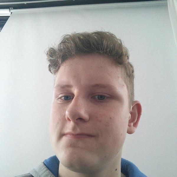 Andreas2074's Profile Photo