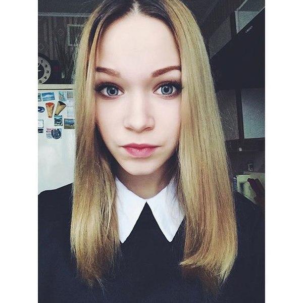 lomtikova_nastya's Profile Photo