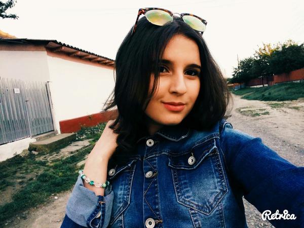 AlinaIuliana23's Profile Photo