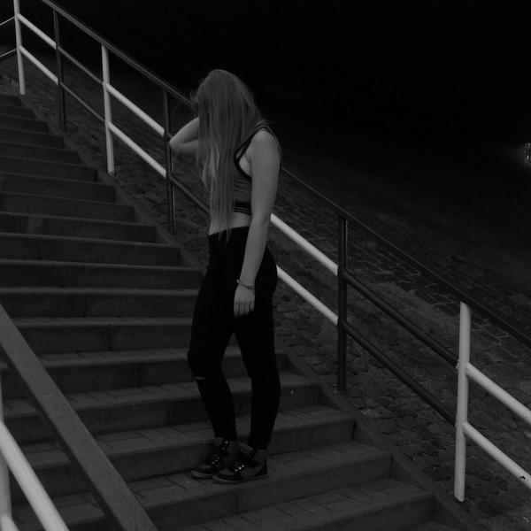 ZuzaXdXd906's Profile Photo