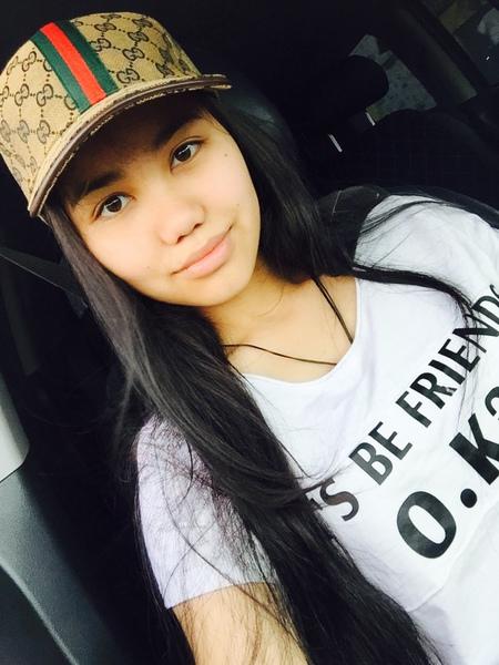 Zh_Aknura's Profile Photo