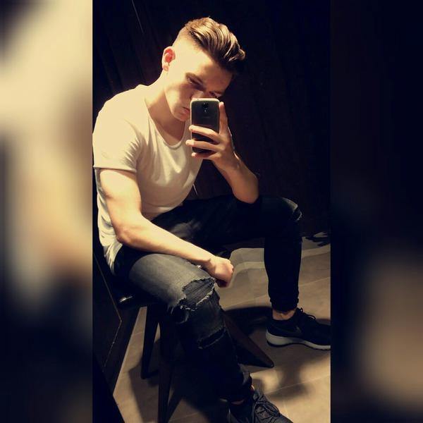 dxniel_16's Profile Photo