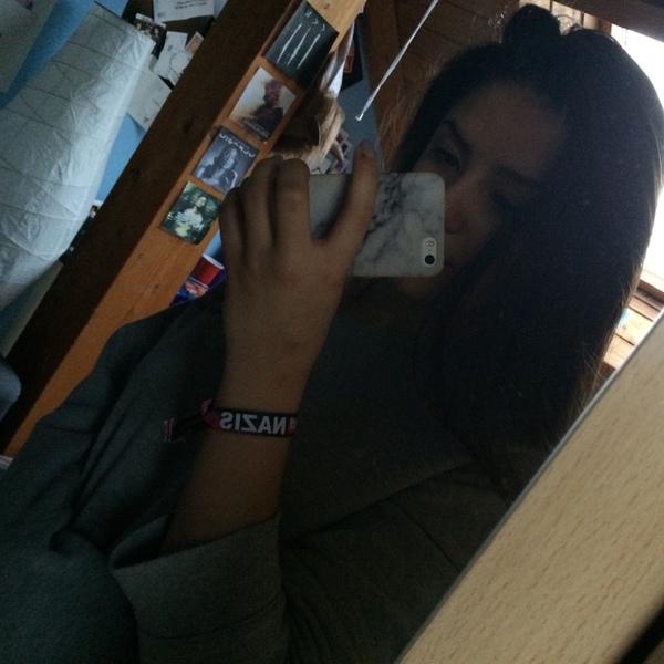 ElliiiBroo's Profile Photo
