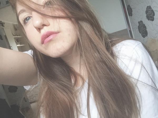 a_n_i_i_i's Profile Photo