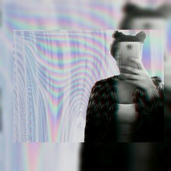 AlexandraWo's Profile Photo