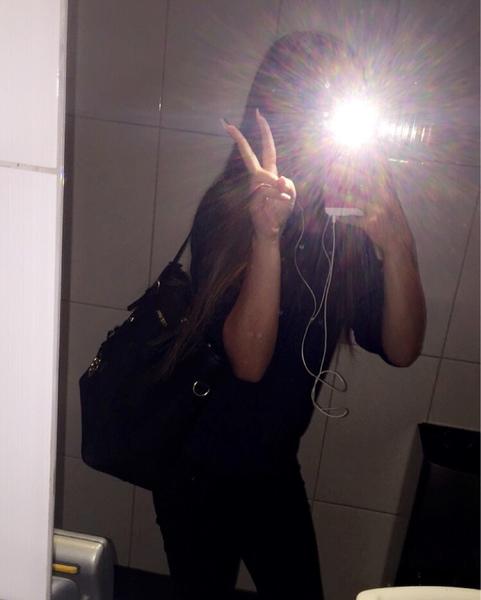angela_duveet's Profile Photo
