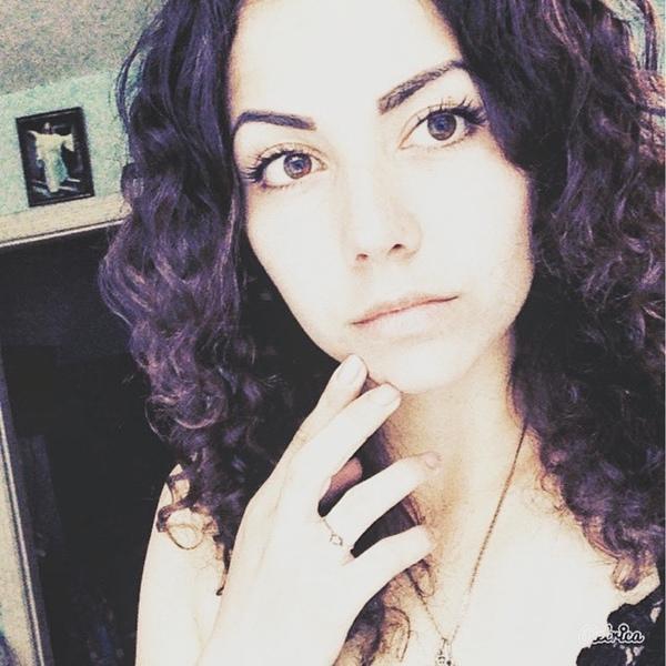 SvetaCurly1999's Profile Photo