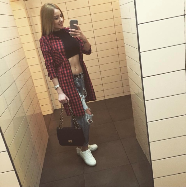 MadalinaPustoaica's Profile Photo