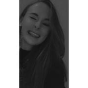 larahllr's Profile Photo