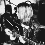 shatteredfox's Profile Photo