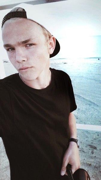 nikitosik_novikov's Profile Photo