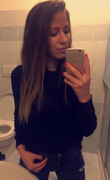 ManuelaKatTonoli's Profile Photo