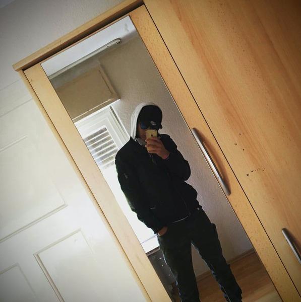 OmarEllaz698's Profile Photo