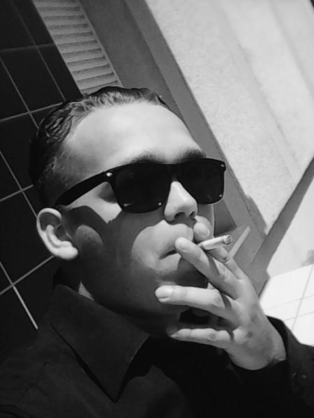 LeSentimentale's Profile Photo
