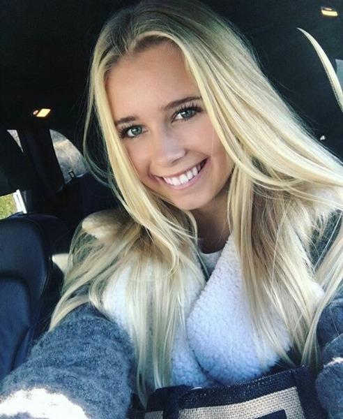 THERESAEL_'s Profile Photo