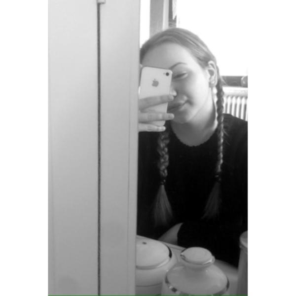 AlinaDex3's Profile Photo
