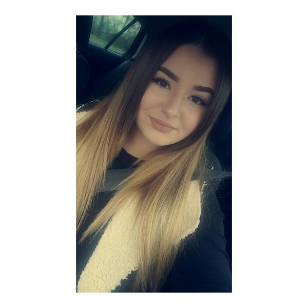 KarinaKaus's Profile Photo