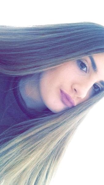 melxxina's Profile Photo