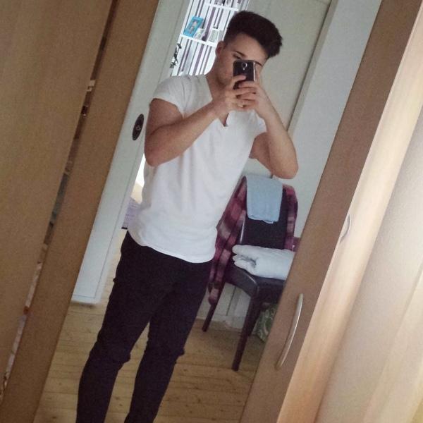 aleks_7777's Profile Photo