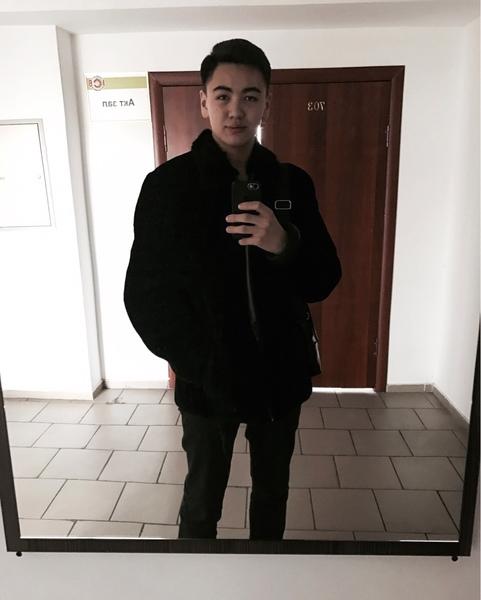 azaml's Profile Photo