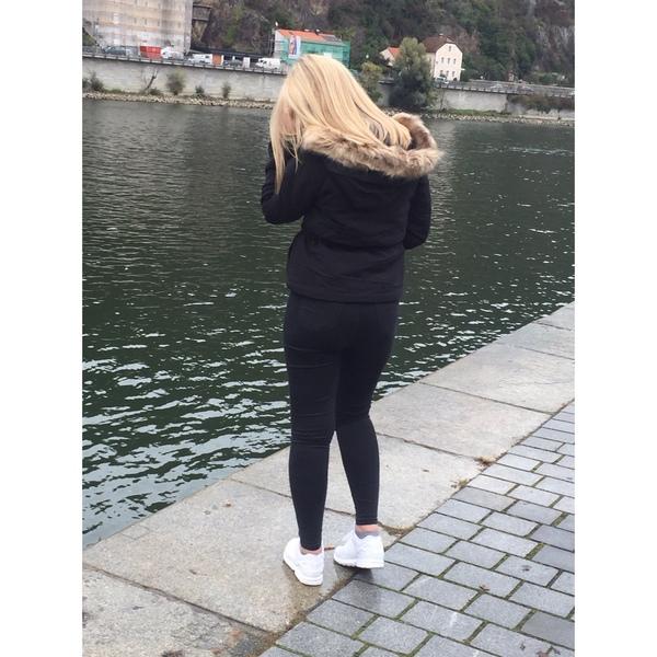 larilia_xd's Profile Photo